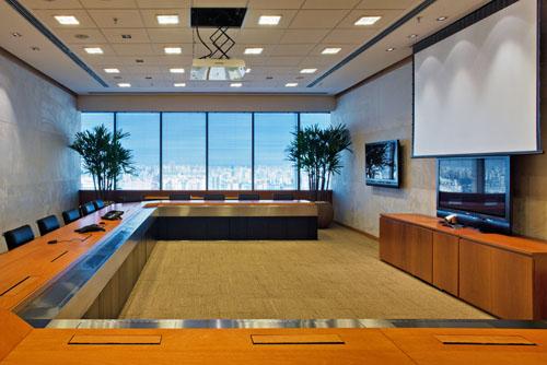 Equipamentos para montar uma sala de reuni o moderna e for Casa moderna tecnologica