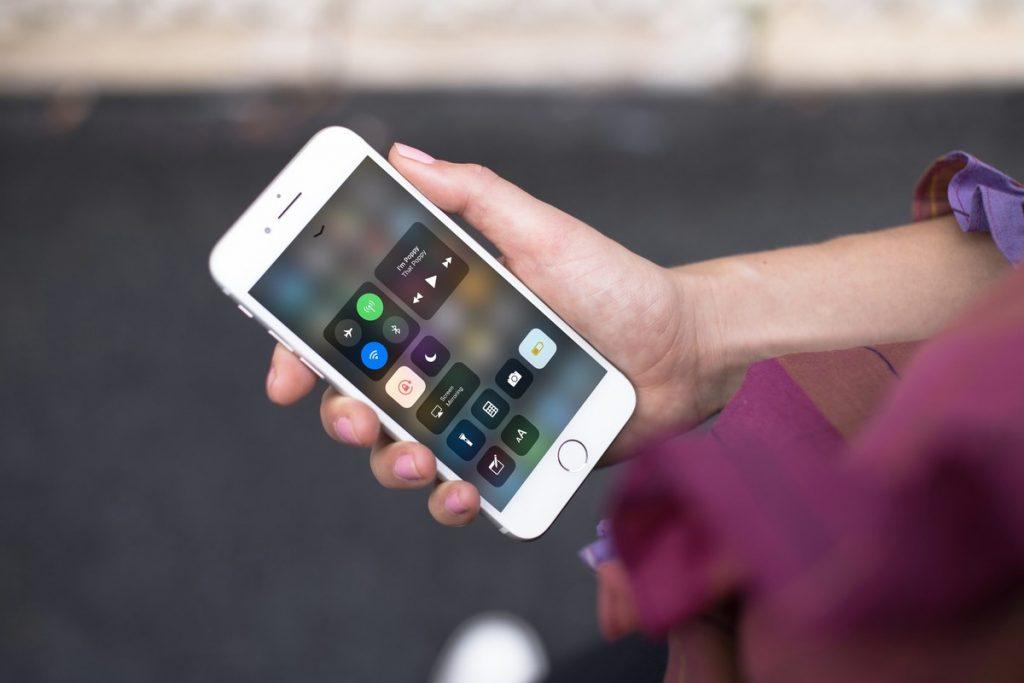 Resultado de imagem para recursos que gastam bateria do celular