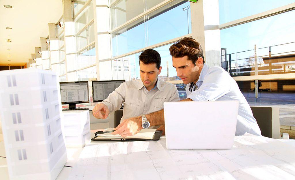 Arquiteto e engenheiro ou designer de interiores: quando contratar cada um