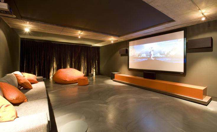sistemas de som para ter uma sala de cinema em casa